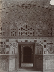 Interior of a room in the Sheesh Mahal, Amber Palace 10031580